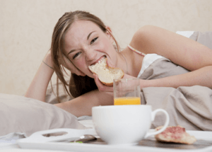 Study Shows Sleeping Less Makes You Eat 500 More Calories