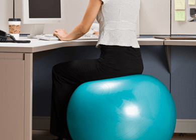 4 Reasons Why Your Should Be On An Exercise Ball Instead Of A Desk Chair