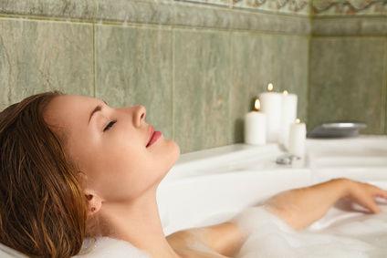 5 reasons you should take a bath. Black Bedroom Furniture Sets. Home Design Ideas