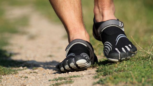5707725027a5ad Minimalist Running Shoes  The Pros and Cons of the Latest Running Trend