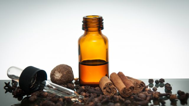 8 Reasons To Use Allspice Essential Oil