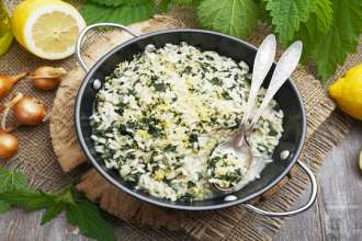 Risotto with nettles and lemon