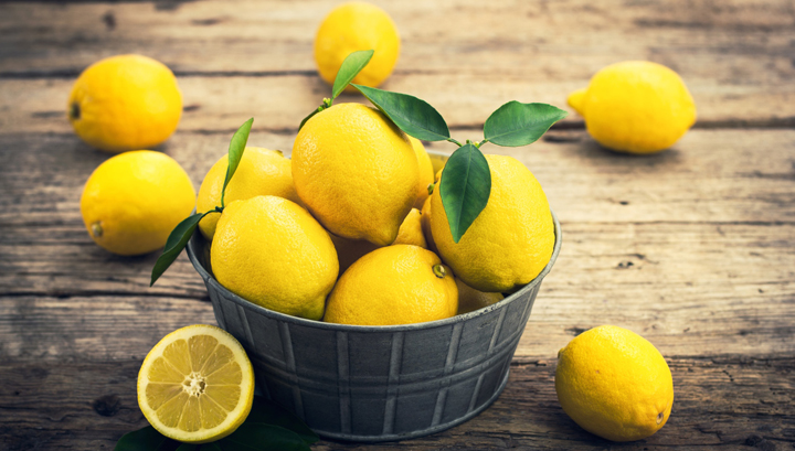 5 Ways Lemons Help Heal Your Body