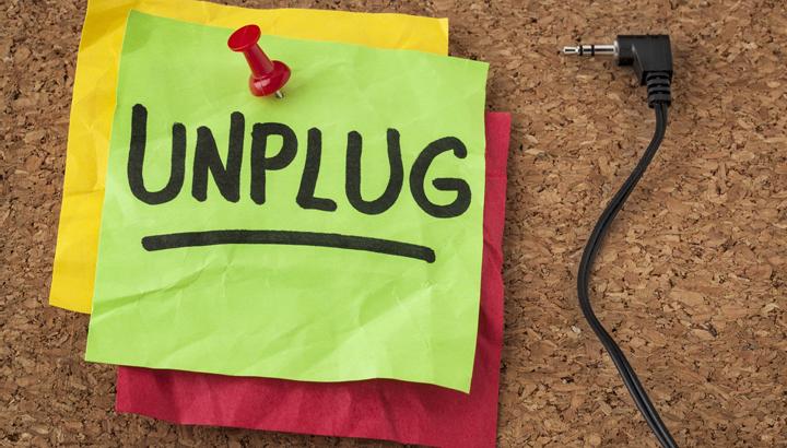 unplug-for-a-digital-detox