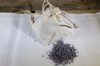 Simple Lavender Dryer Sachets Feature Photo