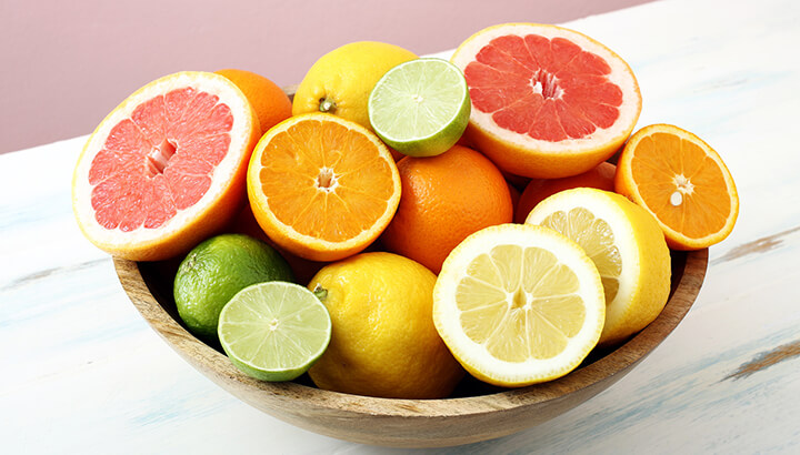 Citrus fruits can help eliminate body odor