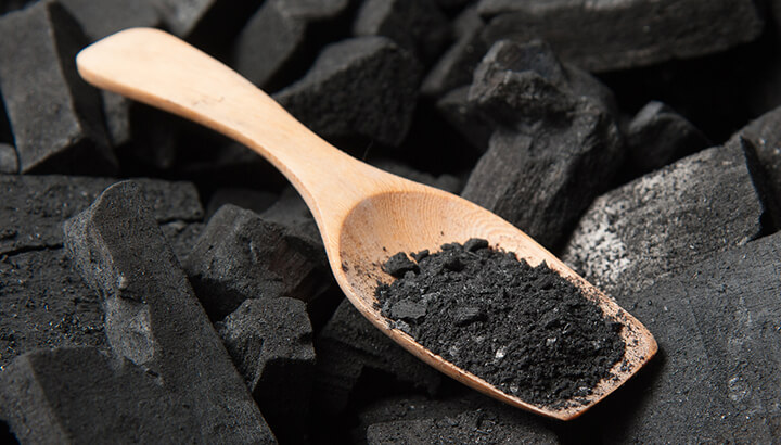 Activated charcoal has a number of health benefits
