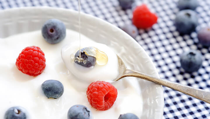 Eating probiotics, like Greek yogurt, can help eliminate smelly poop.