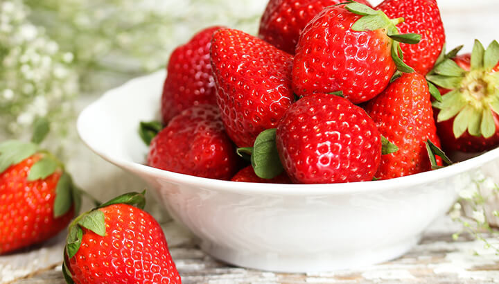 Keep strawberries fresh with a vinegar solution.