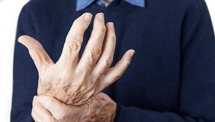 A ginger lemon shot can reduce symptoms of inflammation.