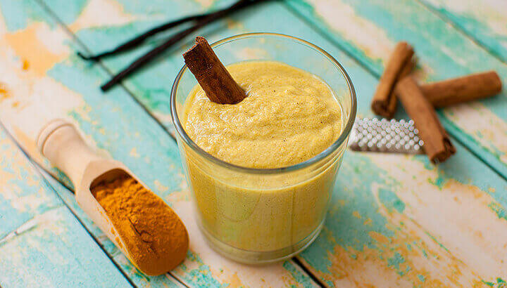 Add turmeric paste to your smoothie for an anti-inflammatory boost.