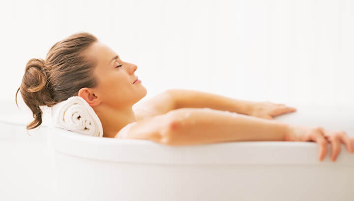 Apple cider vinegar in a sitz bath can treat pain from hemorrhoids.