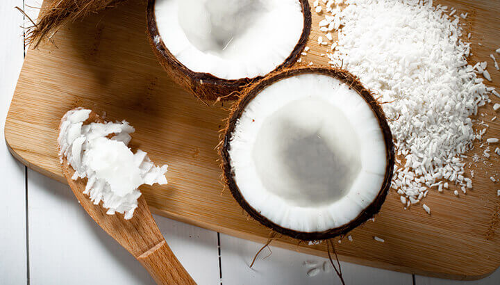 Toenail fungus can be treated with coconut oil.
