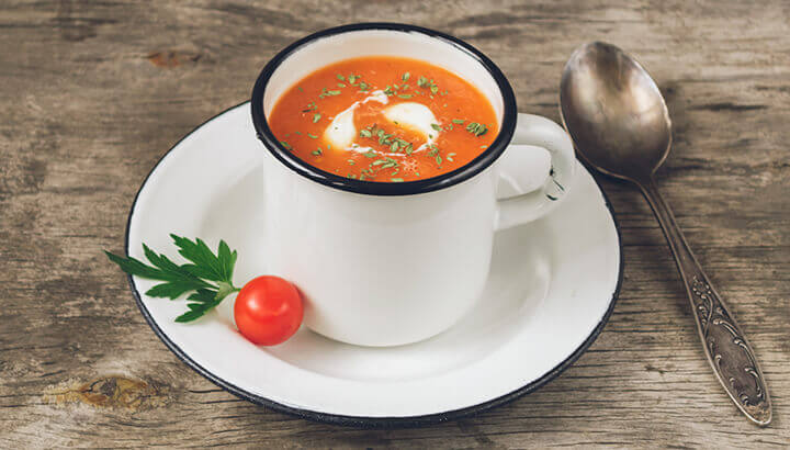 Tomato tea can help to clear up congestion quickly.