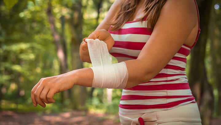 White vinegar acts as an antiseptic for wounds.