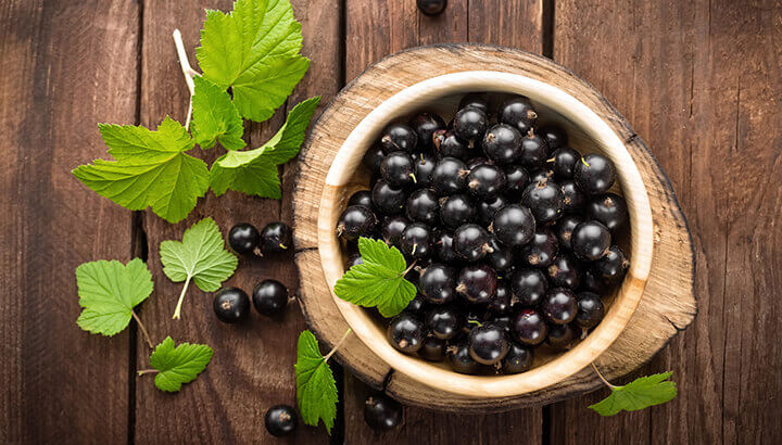 The antioxidants in black currants are great for the eyes.