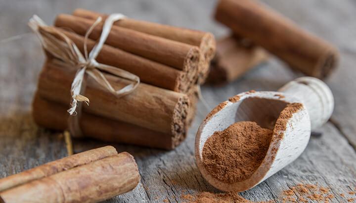 Cinnamon in coffee has anti-inflammatory properties and provides antioxidants.