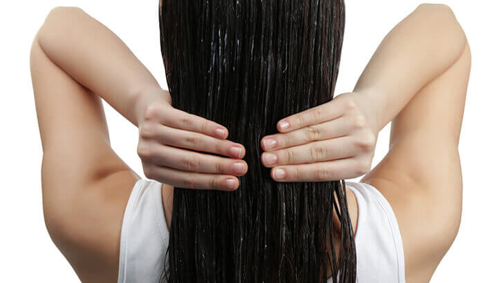 Mix tea tree oil with coconut oil for a DIY shampoo.