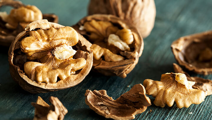 Walnuts are good for the brain and improve anxiety symptoms.